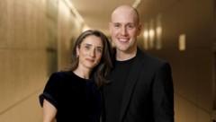 Oliver Petszokat mit Ehefrau Pauline (Bild: Christoph Hardt / Action Press / picturedesk.com)