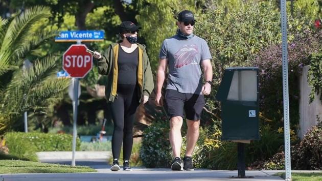 Chris Pratt macht einen Spaziergang mit seiner schwangeren Frau Katherine Schwarzenegger. (Bild: www.PPS.at)