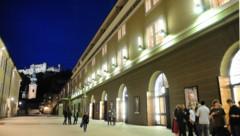 Das Große Festspielhaus in Salzburg mit der Festung Hohensalzburg im Hintergrund (Bild: APA/BARBARA GINDL)