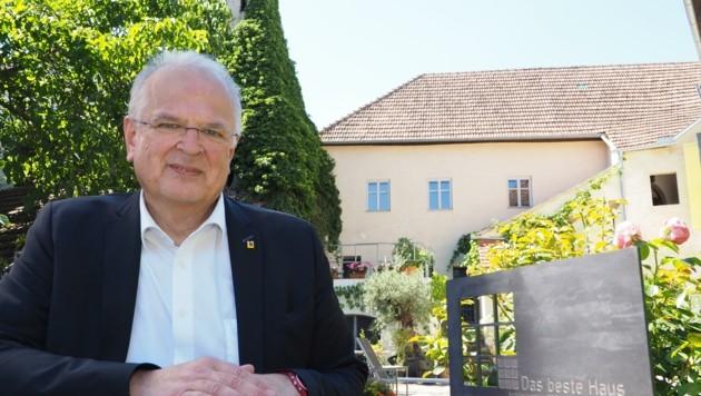 Darf zuversichtlich in die Zukunft blicken: Stadtchef Resch (Bild: Gabriele Moser )