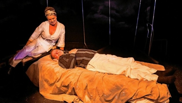 """Theater Kaendace mit Gert Jonkes """"Das Zimmer"""" (Bild: Photo @Nicolas Galani)"""