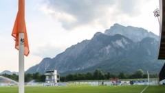 Die schmucke Anlage des SV Grödig liegt am Fuße des Untersbergs - jene von Anif liegt nur unweit daneben. (Bild: EXPA/ Roland Hackl)