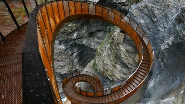 Eine besondere Attraktion: Die rund 30 Meter lange Helix-Treppe in der Liechtensteinklamm. (Bild: Gerhard Schiel)