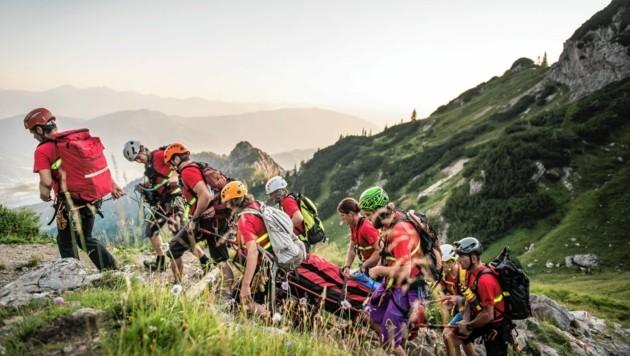 Mit Übungen wie hier beim Admonterhaus bereiten sich die Bergretter auf ihre Einsätze vor. (Bild: Raimund Reiter)