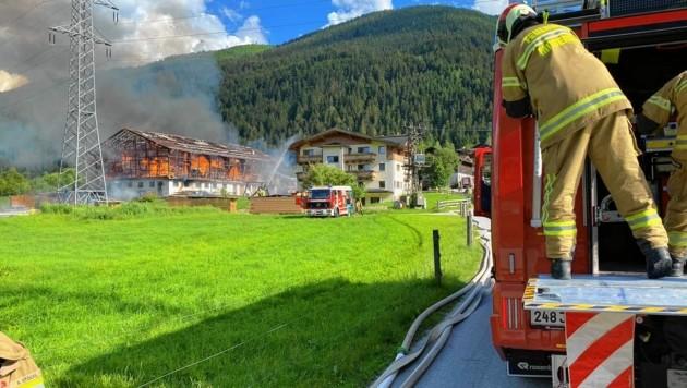 Die Feuerwehren löschten den Brand prompt. (Bild: Freiwillige Feuerwehr Mittersill)