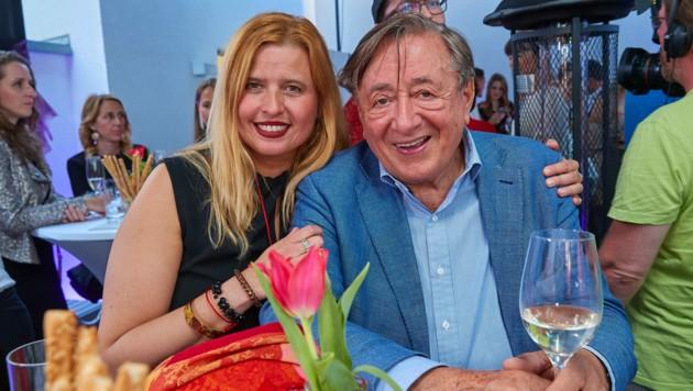 Richard Lugner mit Daniela Kennedy (Bild: Starpix / picturedesk.com)