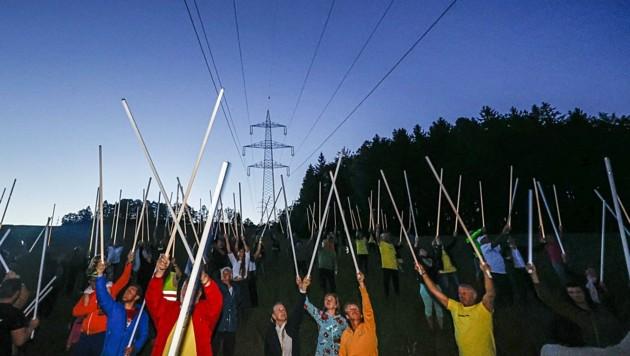 """Der friedliche """"Jedi-Protest"""" wird es keine rechtliche Folgen für die Leitungsgegner haben (Bild: Tschepp Markus)"""