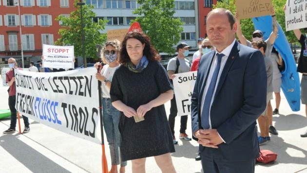Ingrid Felipe (Grüne) und Tirols Landeshauptmannstellvertreter Josef Geisler (ÖVP) (Bild: APA/WWF ÖSTERREICH)