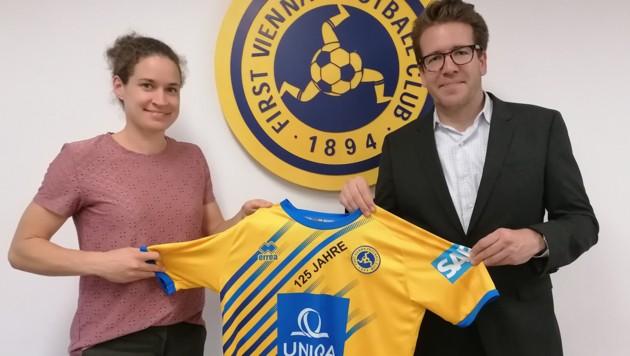 Sportliche Leiterin Frauen Nina Burger (links) mit Vizepräsident Jonas Puck (Bild: First Vienna FC 1894)