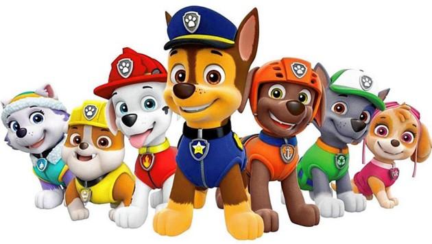Anti-Rassismus-Aktivisten ist Polizei-Hund Chase (Mitte) zu freundlich. (Bild: Nickelodeon)