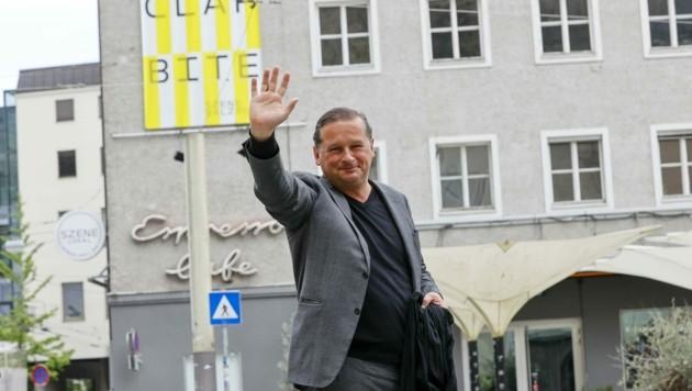 Thierry Bruehl vor der Szene Salzburg. Er reiste an, um zu planen. (Bild: Tschepp Markus)