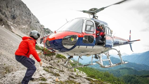 Seilbergungen im hochalpinen Einsatz sind alles andere als gewöhnlicher Alltag für die Besatzung des Polizeihelikopters. (Bild: BMI/Gerd Pachauer)