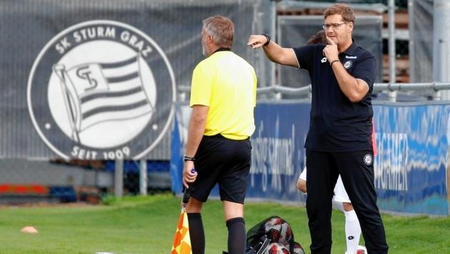 Amateure-Coach Thomas Hösele (r.) dirigiert nach starker Saison weiter die Jung-Blackys. (Bild: GEPA pictures)