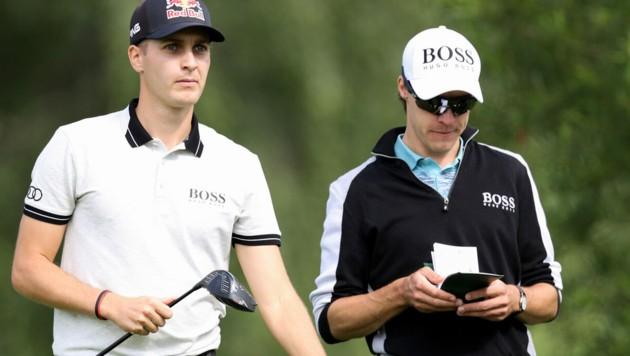 Golf-Star Matthias Schwab (l.) schlägt am Murhof ab. (Bild: GEPA pictures)