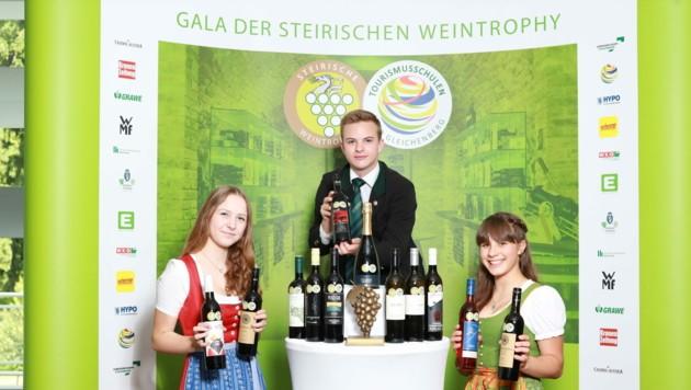In den Tourismusschulen Bad Gleichenberg sind die Würfel gefallen: Die Weintrophy wurde vergeben! (Bild: Jean Van Luelik Photographer)