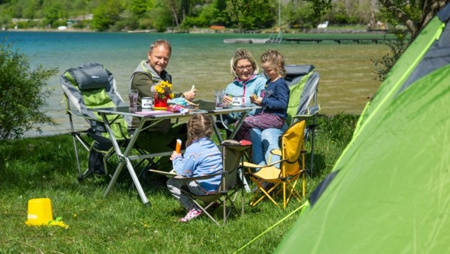 Familienzeit und Erholung in der Natur ist am Campingplatz Berau am Wolfgangsee möglich (Bild: zVg)