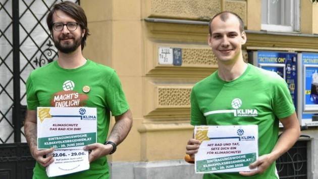 Seit einem guten Jahr engagiert sich Bernhard Thaler (rechts) für das Klimavolksbegehren. (Bild: Mohamad Hajiloo)