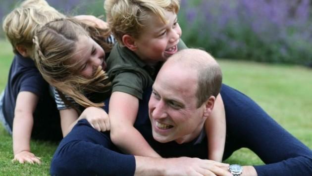 Prinz William tollt mit seinen Kindern Prinz George, Prinzessin Charlotte und Prinz Louis.