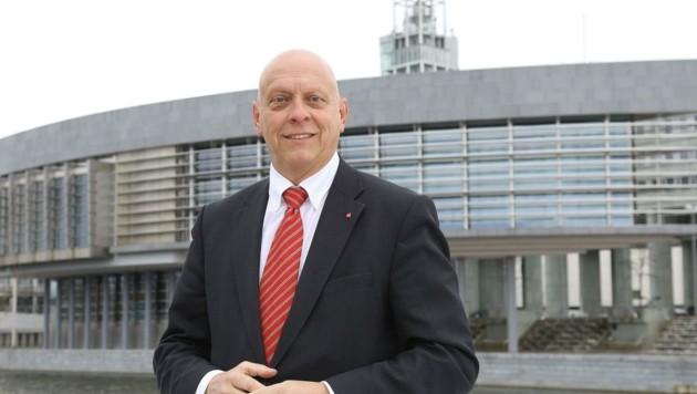 Gerhard Razborcan ist für die Straßenbahverlängerung. (Bild: SP NÖ/Herbert Käfer)
