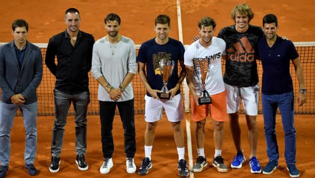 Die Teilnehmer der ersten Station der Adria-Tour beim Gruppenfoto nach dem Endspiel (Bild: AFP )