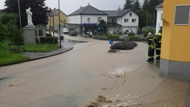 Vor allem Scheibbs war vom Starkregen betroffen - zahlreiche Feuerwehreinsätze waren die Folge. (Bild: APA/PRESSETEAM DES BEZIRKES SCHEIBBS)