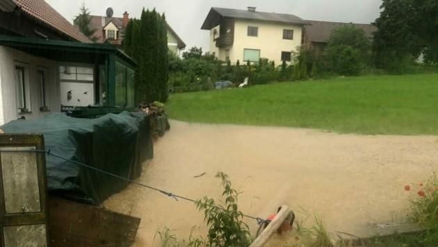 Im Bezirk Scheibbs kam es wegen des Dauerregens zu Überschwemmung. (Bild: APA/PRESSETEAM DES BEZIRKES SCHEIBBS)