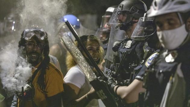 Die Polizei konnte den Sturz der Statue von Andrew Jackson, siebenter Präsident der USA, verhindern. (Bild: AFP)