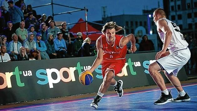 Momo Lanegger (am Ball) ist 3x3-Experte. Der Grazer wurde mit dem Nationalteam 2019 bei der EM Sechster, schlug Vizeweltmeister Lettland. (Bild: FIBA)