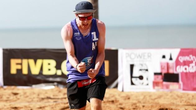 Schon vor Beginn des Austrian Champion Cup hat Beachvolleyballer Jakob Reiter Grund zur Freude! Die Gruppenauslosung ist für ihn ein Hit! (Bild: FIVB)
