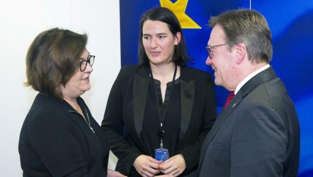 Das Verhältnis Tirols – MEP Thaler und LH Platter – mit Kommissarin Valean (li.) ist gereizt. (Bild: HorstWagner.eu)