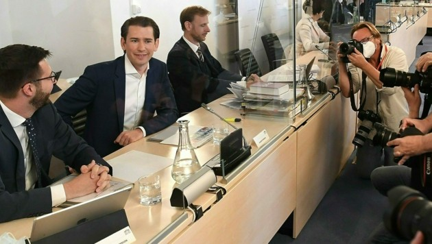 Bundeskanzler Sebastian Kurz wurde im Juni des Vorjahres von den Abgeordneten des Ibiza-U-Ausschusses befragt. (Bild: APA/HELMUT FOHRINGER)