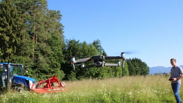 Schnell, präzise und kostengünstig: Diese Drohne mit Wärmebildkamera fliegt in nur 30 Minuten einen Hektar Fläche ab. (Bild: Evelyn Hronek)