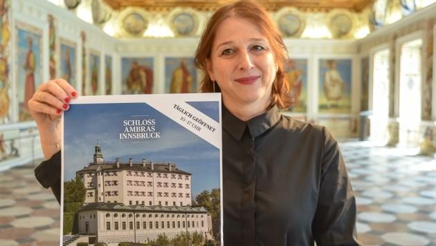Direktorin Veronika Sandbichler bietet das Schloss Ambras als attraktiven und spannenden Ort der Sommerfrische an. (Bild: Hubert Berger)