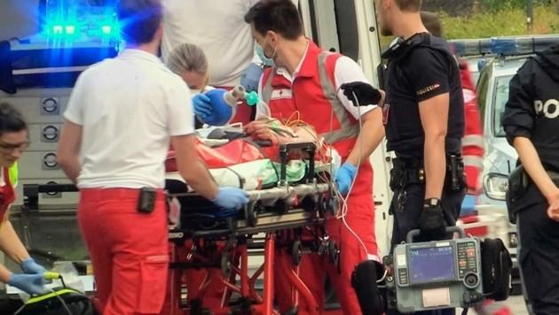 Zwei Schwerverletzte forderte ein Schusswechsel am Donnerstagmorgen in Leopoldskron. (Bild: Markus Tschepp)