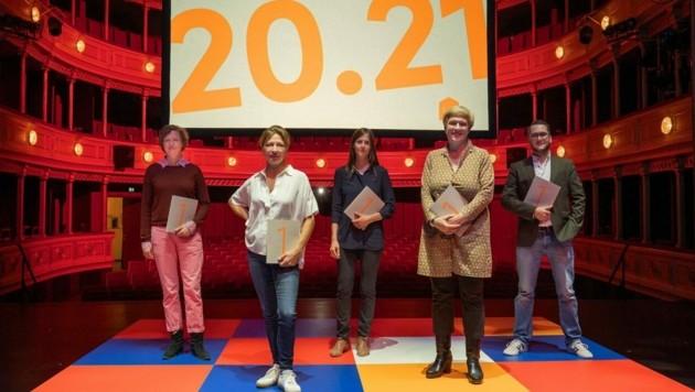 Schauspielhaus Graz: Intendantin Iris Laufenberg und ihr Dramaturgen-Team (Bild: Lex Karelly)