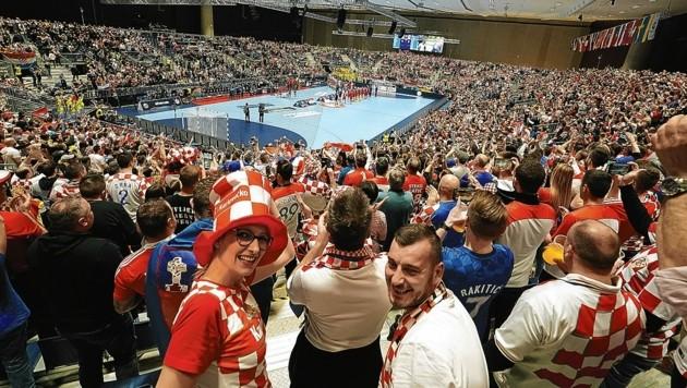 Die Grazer Stadthalle wurde vor allem zum Wohnzimmer der kroatischen Handball-Fans. Insgesamt verbuchte die Stadt Graz 7900 Nächtigungen durch das Großereignis im letzten Jänner. (Bild: Pail Sepp)