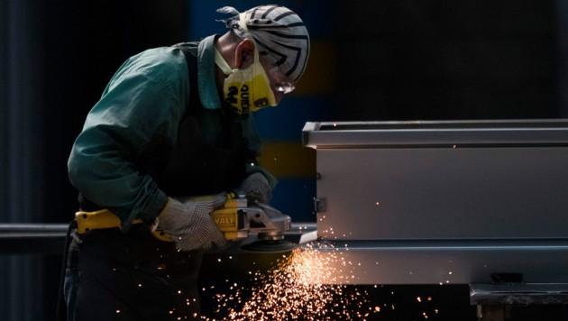 """Laut Gewerkschaft GPA-djp spart ihr Kurzarbeitsmodell """"90 für 80"""" dem Staat Geld und sorgt außerdem für neue Arbeitsplätze. (Bild: AFP)"""