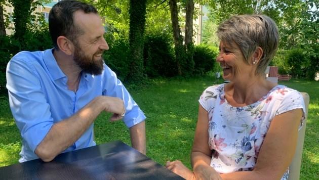 Thom Kinberger (ÖGK) und Mutter Julia Hofer (Bild: Sabine Salzmann)