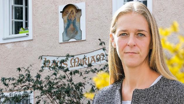 Landesrätin Andrea Klambauer (Neos) weist die Vorwürfe der Opposition klar zurück (Bild: Markus Tschepp)