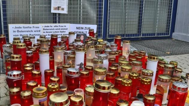 Kerzen für die damals 21-jährige Larissa. (Bild: Christof Birbaumer)