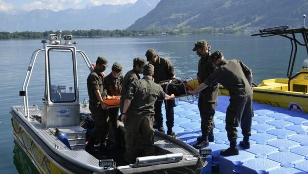 Rekruten beim Bootsdienst am Zeller See (Bild: Bundesheer)