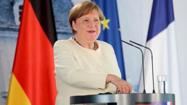 Deutschlands Kanzlerin Angela Merkel benutzte am Montag keine Schutzmaske. (Bild: The Associated Press)