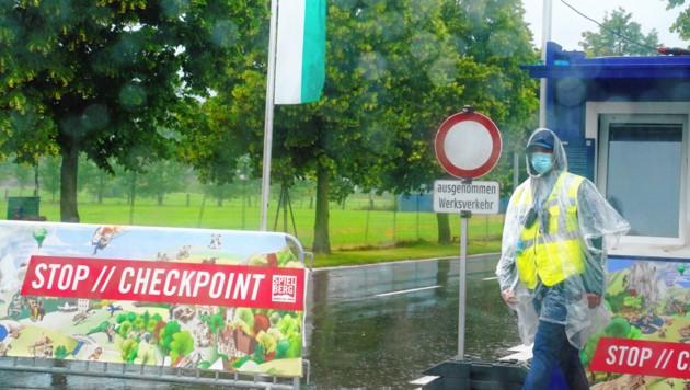 Ein Checkpoint nach dem anderen, die Zufahrt ist gesperrt.