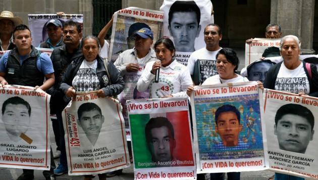 Verwandte der 43 vermissten Studenten in Mexiko (Bild: AFP)