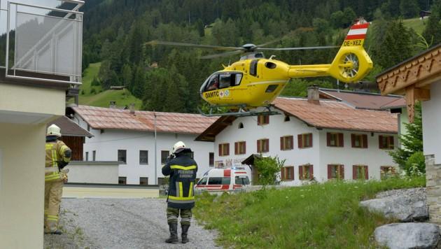 Ein schwerer Arbeitsunfall ereignete sich am Freitag auf einer Baustelle in Holzgau. (Bild: zoom.tirol)