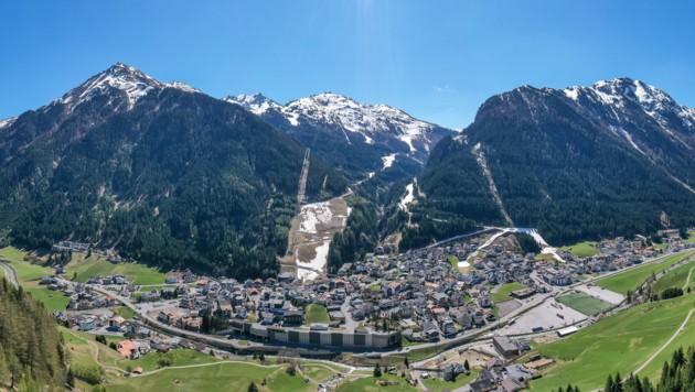Luftaufnahme von Ischgl (Bild: APA/EXPA/JOHANN GRODER)