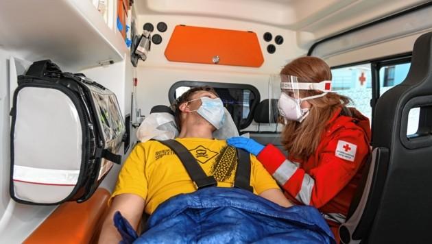 Der Bonus für Rot-Kreuz-Mitarbeiter kommt nicht vom Land. (Bild: zeitungsfoto.at/Liebl Daniel)