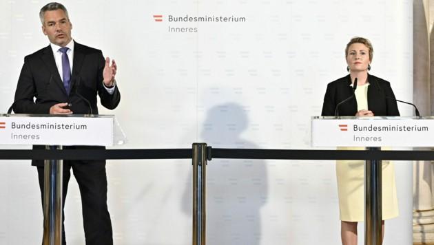 Innenminister Karl Nehammer und Integrationsministerin Susanne Raab (Bild: APA/Hans Punz)