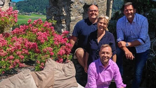 Gerhard und Isolde Satran übergaben an Thomas Seitlinger (rechts). (Bild: zvg)