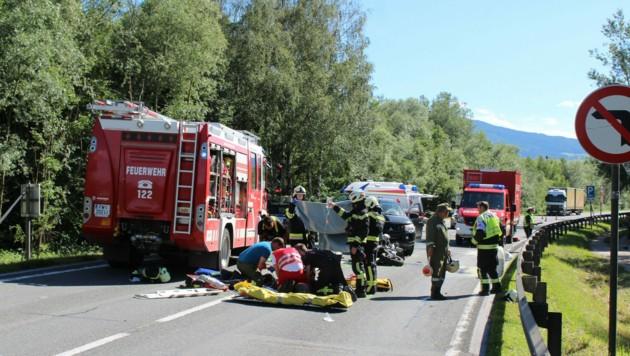 Großeinsatz für die Rettungskräfte (Bild: FF Stainach)